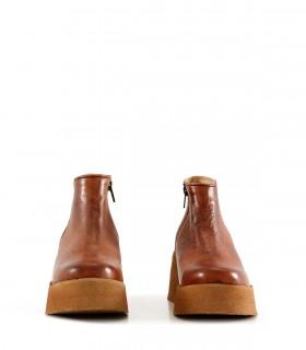Botas cortas de cuero en cuoio
