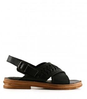 Sandalias chatas de cuero negro