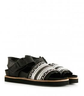 Sandalias bajas de cuero en negro
