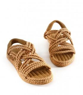 Sandalias bajas trenzadas en beige