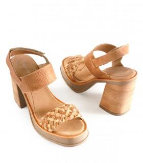 Sandalias altas de cuero en cuoio