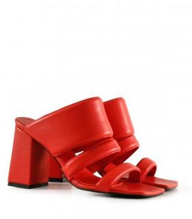 Sandalias de cuero en rojo