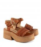 Sandalias trenzadas de cuero en tabaco