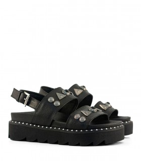 Sandalias de cuero negro con detalles