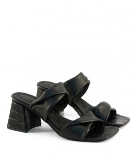 Sandalias de cuero reptil en negro