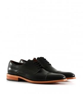 Zapatos de  vestir en cuero en negro