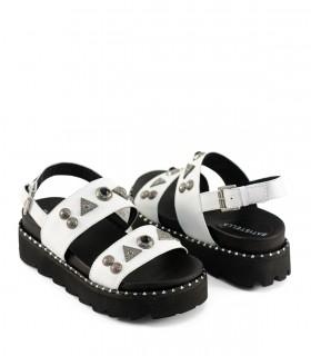 Sandalias de cuero blanco con detalles
