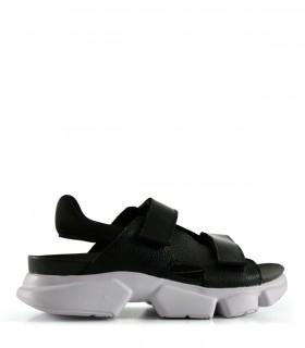 Sandalias con velcro de cuero en negro