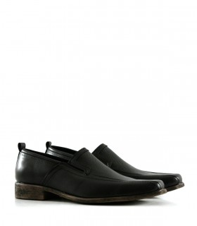 Zapatos urbanos en cuero picado negro